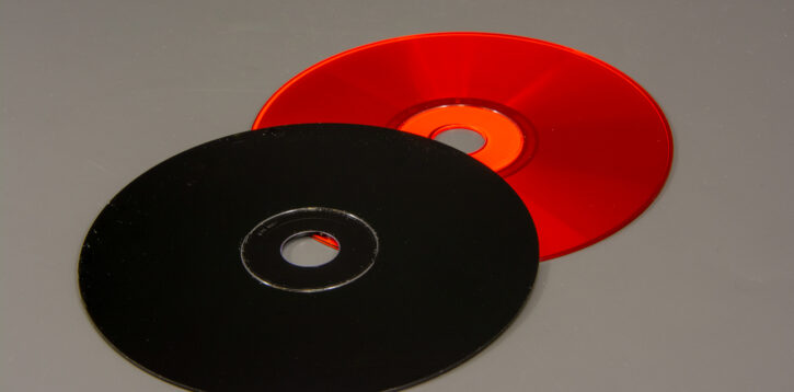 OPT010 01 color disc