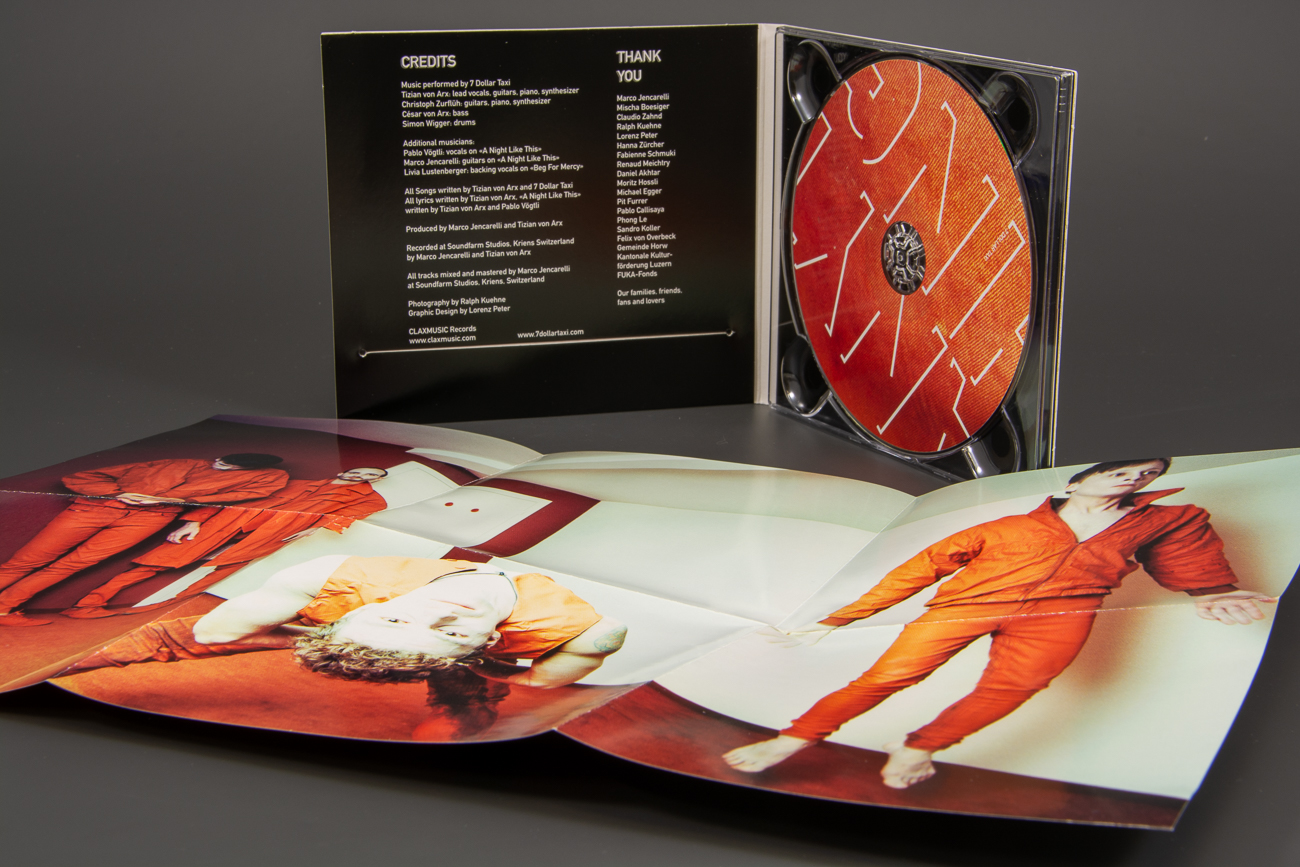 PAK036 05 cd poster booklet